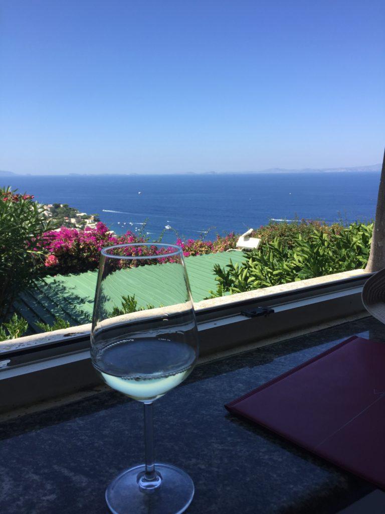 カプリ、レストラン、ワイン、絶景