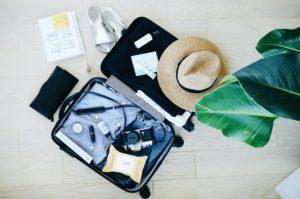 スーツケース、旅行グッズ