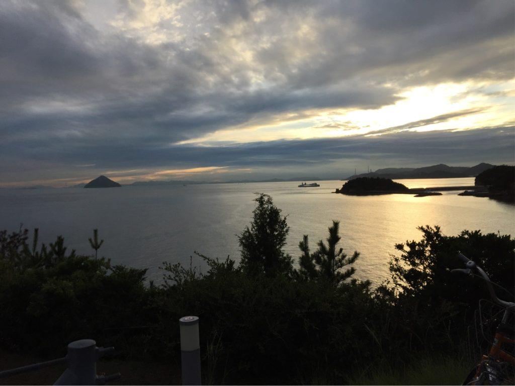直島の夕景、日没