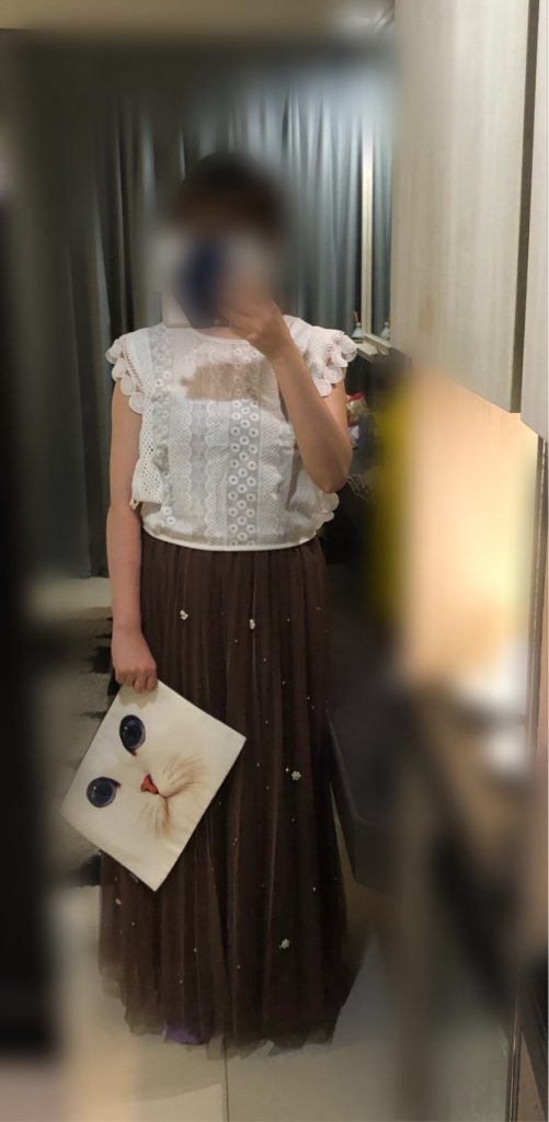 茶色スカート