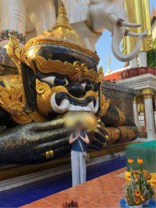 ワット・クン・チャン黒い仏像