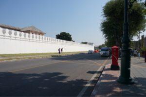 王宮からワット・ポーへの道