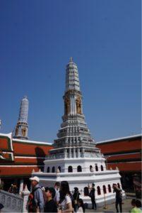 ワット・プラケオ8つの仏塔