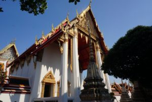涅槃像の仏堂