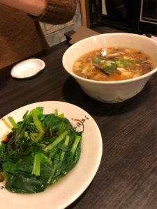 青菜の炒めと酸辣湯