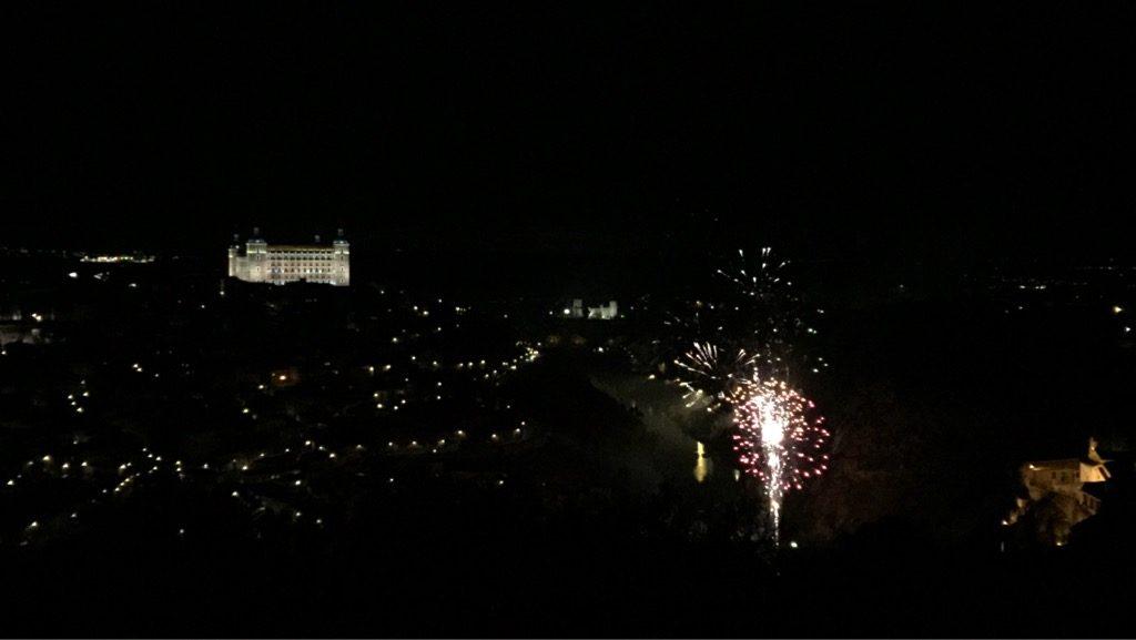 トレドの街に上がる花火