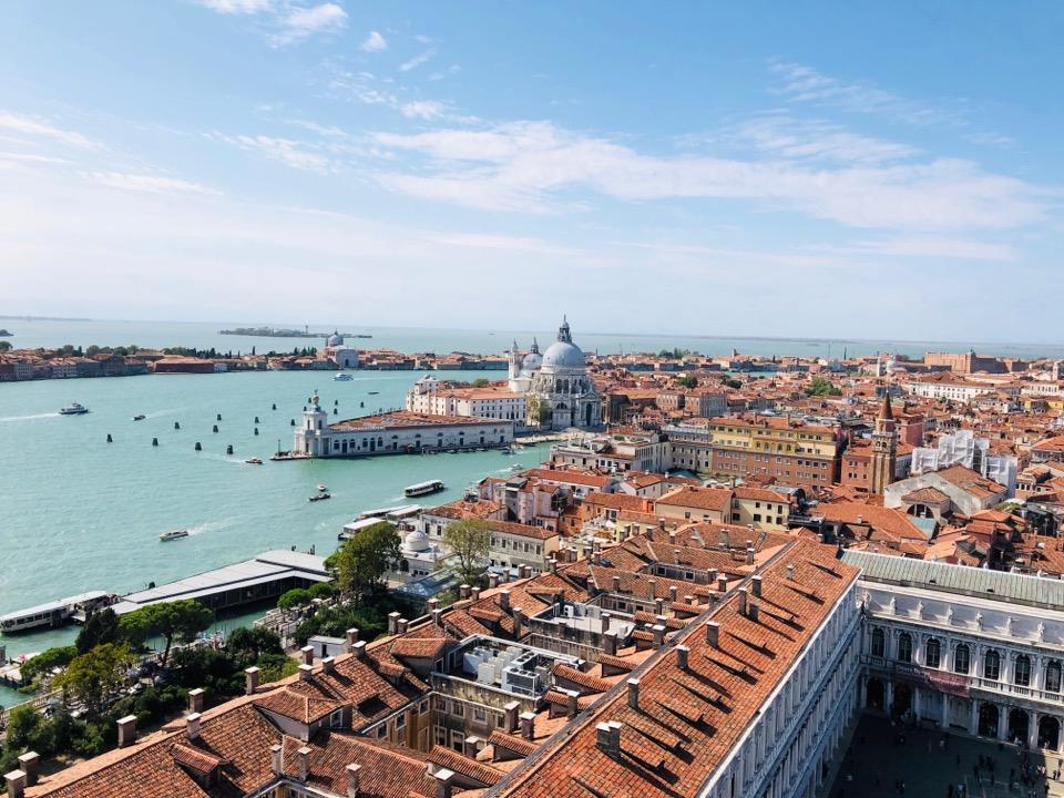 ベネチアの町を一望